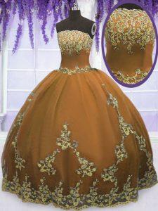 Tulle Strapless Sleeveless Zipper Appliques Vestidos de Quinceanera in Brown
