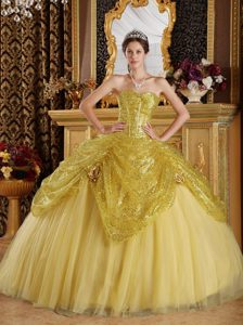 Inexpensive Gold Sequined Sweetheart Quinceanera Dresses with Flowers