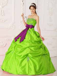 Strapless Beaded Sash Cheap Dress for Quinceanera in Spring Green