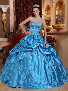 Elegant Blue Ball Gown Beaded Strapless Sweet 17 Dresses with Embroidery