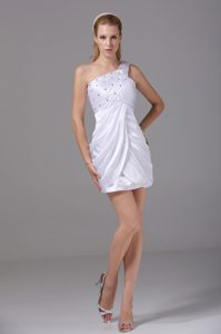 Short White One Shoulder Beaded and Ruched Celebrity Party Dresses in Column