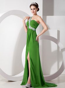 Green Empire One Shoulder Evening Gown Dresses with Beading and Ruching