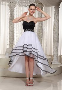 Sexy Black and White Sweetheart High-low Homecoming Dress for Prom in Organza
