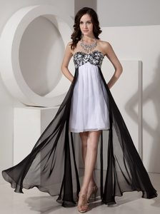Inexpensive Black and White Chiffon Prom Dress for Summer with Appliques