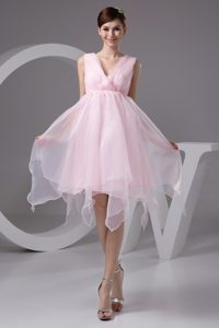 2013 Beautiful Ruched and Appliqued Pink V-neck Prom Evening Dress for Cheap