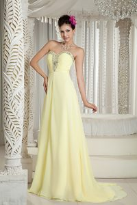 Beautiful Sweetheart Beading Chiffon Evening Dress with Ruches in Light Yellow