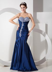 Attractive Navy Blue Mermaid Prom Wedding Dresses with Ruching and Beading