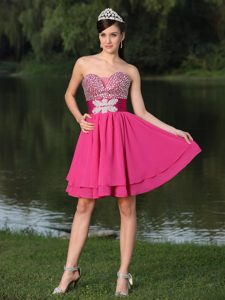 Fashionable Hot Pink Sweetheart Mini Party Prom Dress with Shining Beading