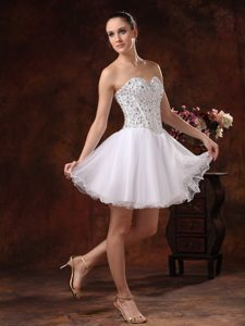 Sweetheart Mini-length White Prom Cocktail Dress with Beading on Promotion