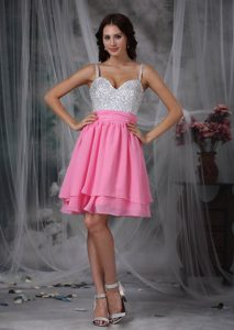 Straps Knee-length Pink Layered Chiffon Prom Dress for Slim Girls with Beading