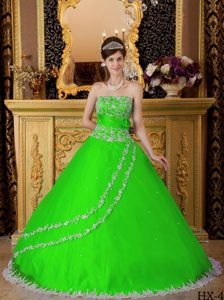 Spring Green Strapless White Lace Appliques Quinceanera Dresses