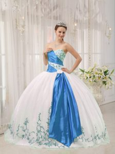 White Sweetheart Embroidery Quinceanera Formal Dress Made in Organza
