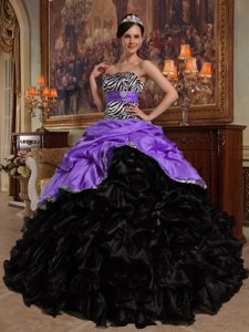 Ball Gown Dresses for Quince in and Organza with Ruffled Layers