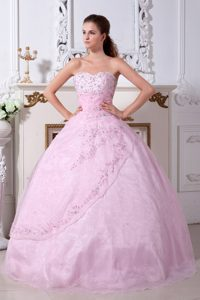 Rose Pink A-line Sweetheart Embroidery Quinceanera Dresses in Organza