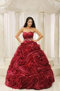 Flirty Wine Red Sweetheart Quince Dresses with Beaded Sash in Rolling Flowers