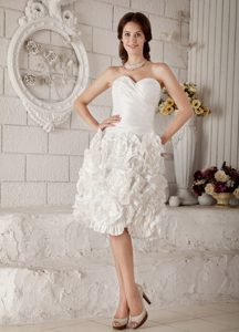 Sweetheart Dresses for Wedding with Rolling Flowers and Ruches in Knee-length