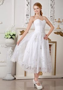 Informal Empire Sweetheart Summer Wedding Dress in Tea-length with Appliques