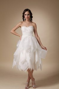 A-line Sweetheart Garden Wedding Dresses in Tea-length with Beads and Ruffles