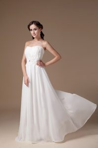 Popular Strapless Appliqued Prom Wedding Dresses with Ruches in Floor-length