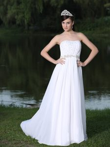 Clearance Strapless Garden Wedding Dress with Beads and Appliques