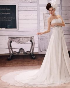 Stylish Beading Wedding Dresses with Heart Sharped Neckline with Chapel Train