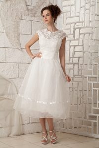 Round-neck Tea-length Organza Wedding Dresses with Appliques for Cheap