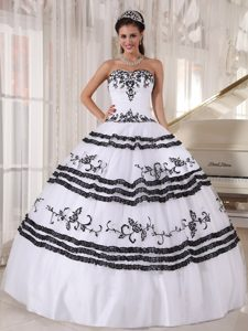 White and Black Sweetheart Organza Layered Quinceanera Dress with Appliques