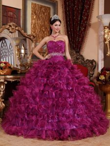 Fuchsia Sweetheart Ruched Organza Ruffled Quinceanera Dresses with Beading