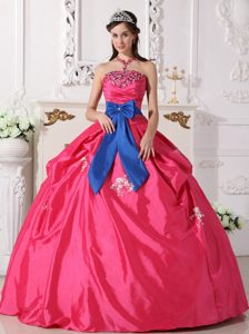 Chic Hot Pink Strapless Quinceanera Dress with Beading and Bowknot