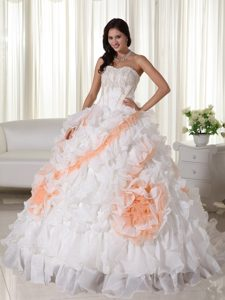 White Sweetheart Organza Quinceanera Dresses with Appliques and Court Train