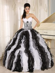 White and Black Sweetheart Quinceanera Dresses with Appliques and Ruffles