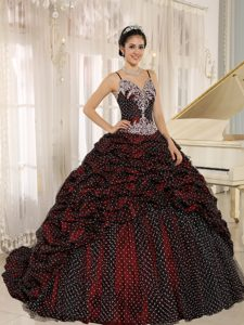 Special Fabric Pick-ups Quinceanera Gown with Spagetti Straps and Appliques