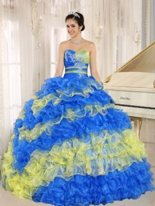 Popular Colorful Sweetheart Quinceanera Dresses with Ruffles and Appliques