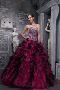 Burgundy Sweetheart Organza Quinceanera Gown Dress with Ruffles and Beading