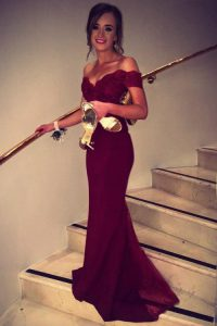 Off The Shoulder Short Sleeves Brush Train Backless Prom Gown Burgundy Satin
