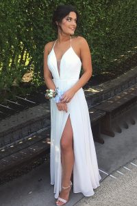 Modern Halter Top Sleeveless Chiffon Floor Length Backless Formal Evening Gowns in White with Pleated
