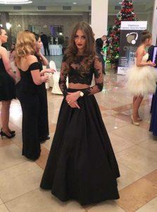 Captivating Scoop Black A-line Lace Evening Dress Zipper Satin Long Sleeves Floor Length