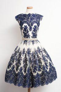 Scalloped Navy Blue Zipper Homecoming Dress Appliques Cap Sleeves Knee Length