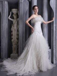 Best Strapless Court Train Mermaid Ruffles Tulle Wedding Dress with Rosettes