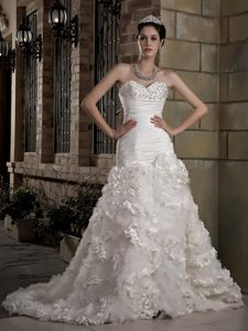 New Sweetheart Court Train Ruched Wedding Dress with Ruffles and Beading