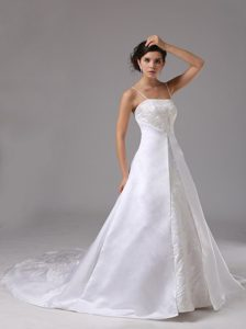 Elegant Spaghetti Straps Court Train Wedding Gown Dress in Lace and Satin