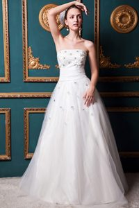Affordable Strapless Long Tulle Wedding Dress and