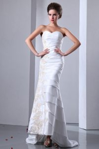 Sweetheart Brush Train Lovely Wedding Dress with Ruffled Layers