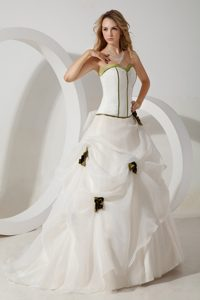 Inexpensive Ball Gown Sweetheart Brush Train Dress for Wedding in White