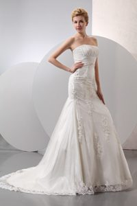 Discount Mermaid Strapless Court Train Lace Wedding Dress with Appliques
