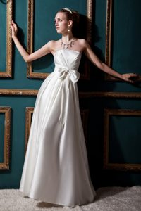 Cheap Strapless Long Wedding Dress with Beading and Bow