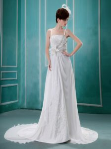 Discount Spaghetti Straps Chapel Train Wedding Gown Dress with Appliques