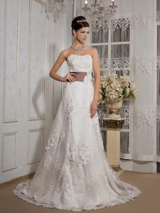Strapless Court Train A-line Lace Sweet Wedding Dresses with Appliques