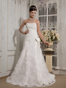 Lovely A-line Strapless Court Train Lace Wedding Dresses with Bowknot