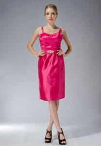 Beautiful Straps Knee-length Wedding Guest Dress in Coral Red